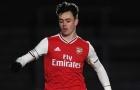 XONG! Đội trưởng U23 Arsenal gây sốc, bất ngờ 'đào tẩu' đến Croatia