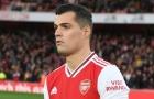 Fan Arsenal: 'Một pha bóng hèn nhát, hắn ta đúng là con gà'
