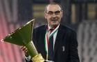 Nâng cúp vô địch cùng Juve, Sarri không quên gửi lời nhắn đến Lyon
