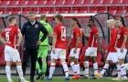 SỐC! Phát hiện 13 trường hợp nhiễm COVID-19, UEFA vẫn yêu cầu ra sân