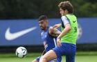 Thay Ashley Young, Conte nhắm bộ đôi 'người thừa' của Chelsea
