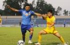 Cựu thủ môn ĐT Việt Nam mắc sai lầm ngớ ngẩn, Quảng Nam mất điểm đáng tiếc