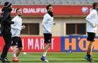 Chùm ảnh: Mesut Oezil trở lại và sẵn sàng tái xuất