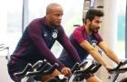 Các ngôi sao Man City tập thể lực trong phòng gym