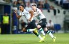 Sao trẻ lập siêu phẩm sút phạt, Liverpool đặt một chân vào Champions League