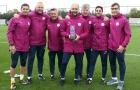 Vượt mặt Mourinho, Pep Guardiola đoạt danh hiệu HLV xuất sắc nhất tháng 9