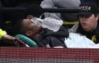 Nỗ lực truy cản Willian, sao Watford chấn thương kinh hoàng, phải thở oxy rời sân