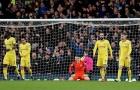 Thi đấu như thảm họa, Marcos Alonso một tay 'đá bay' Chelsea khỏi cuộc đua Top 4