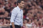 Barca nên sa thải HLV Valverde thay vì nổ hàng loạt bom tấn