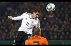 Những cú đánh đầu mang thương hiệu Miroslav Klose