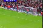 Bàn thắng từ giữa sân của Xabi Alonso vs Newcastle