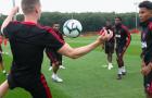 CHÍNH THỨC! Man United một lúc chia tay 9 cầu thủ