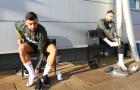 Lộ hình ảnh khó tin trên sân tập Man Utd, Shaw xuất hiện sau chấn thương