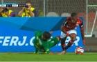 Sao trẻ 45 triệu euro của Real lừa bóng khiến đối thủ chấn thương