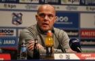 HLV Heerenveen: Văn Hậu hay nhầm lẫn, tôi phải 'cầm tay chỉ việc'