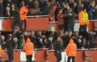 CĐV Arsenal phát cuồng với phản ứng của Emery sau khi Torreira ghi bàn