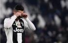 Sút hỏng phạt đền, Ronaldo bàng hoàng không tin vào mắt mình