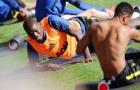 Pogba nhăn nhó, lạc lõng nhìn đồng đội Man Utd tập luyện điên cuồng
