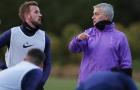 Mượn Chelsea và Man Utd, West Ham làm điều không ngờ với Mourinho