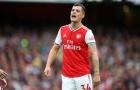 Carragher chỉ trích sao Arsenal: 'Cậu ta cần làm gì đó, dùng vai, đầu hay gì cũng được'