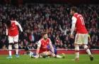 'Arsenal đang phòng thủ tốt thì cậu ta lại lùi sâu vì sợ hãi'