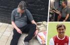 Nốc 7 chai một ngày, cựu hậu vệ Arsenal trắng tay