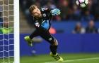 Ranieri không quá lo lắng trước chấn thương của Kasper Schmeichel