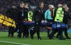 Coutinho rời sân bằng cáng, CĐV Liverpool 'gào khóc'