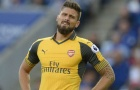 Giroud lại dự bị, CĐV Arsenal chất vấn Wenger