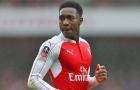 Welbeck chọc ghẹo Wilshere khi Arsenal ghi bàn