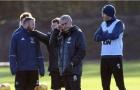Giữa bão chỉ trích, Mourinho đăm chiêu nhìn học trò tập luyện