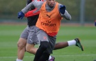 Đấu West Ham, Arsenal gặp vấn đề nơi hậu tuyến