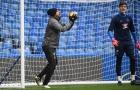 Diego Costa làm trò 'giải nhiệt' cho buổi tập của Chelsea