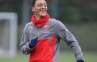 Tiết lộ của Oezil lại khiến NHM Arsenal hoang mang