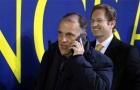 Chủ tịch La Liga phản ứng thế nào sau cái chỉ tay của Pique