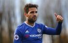 Fabregas 'nhắc nhở' Courtois về vị trí của mình tại Chelsea