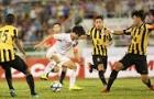 Công Phượng 'nhảy múa' trước 5 cầu thủ của Malaysia