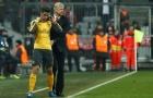 HLV Wenger sẽ bị học trò làm phản?