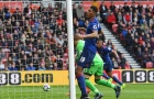 Victor Valdes giúp Man Utd phá dớp đen