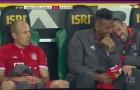 Đồng đội cười ngặt nghẽo với hành động giận dỗi của Robben