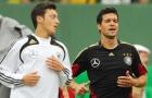 So sánh tài năng của Mesut Oezil và Michael Ballack