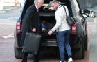 Rooney bị đồng đội bỏ rơi trước trận đấu với West Brom