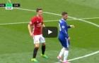 Eden Hazard bị Man United phong tỏa như thế nào?
