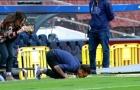 Chùm ảnh: Dani Alves 'hôn' Camp Nou ngày về