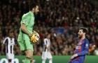 Đội hình tệ nhất tứ kết Champions League: Messi cũng hết phép