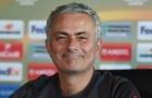 Hàng thủ tan nát, Mourinho tính chuyện 'tái xuất sân cỏ'