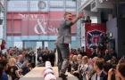 Đến Mỹ không lâu, Schweinsteiger đã trở thành 'người mẫu'