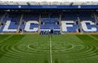 Ngày cuối, Leicester 'tha thu' luôn cả mặt sân