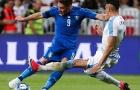 Tội đồ Gimenez đóng góp dấu giày 2 trong 3 bàn thua của Uruguay
