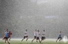 Sao AC Milan đội mưa luyện tập, sếp lớn hài lòng